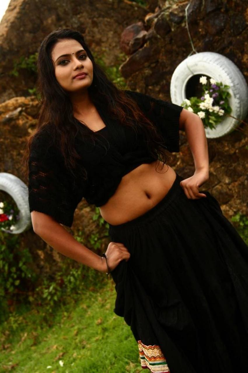 Avalukkenna Azhagiya Mugam Photos