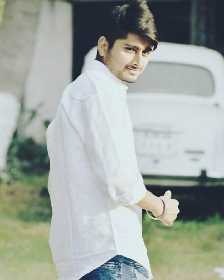 Deepak Thakur Photos