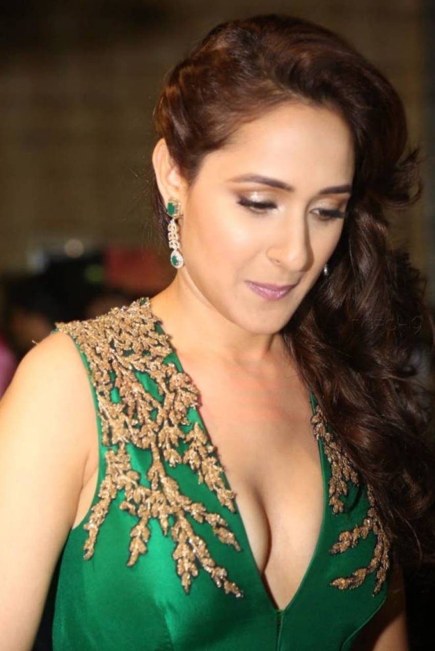 glamorous celebrities photos indian actress glamorous photos
