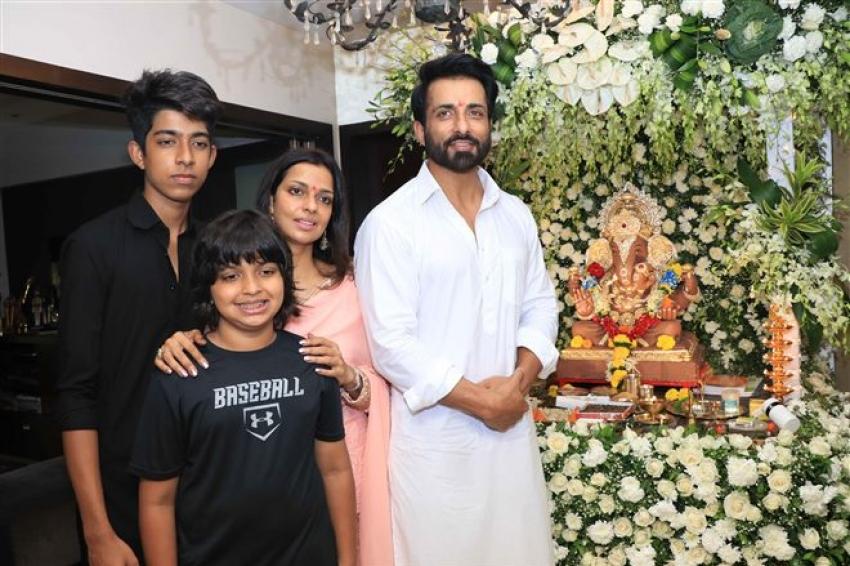 Indian Celebs Celebrate Ganesh Festival 2018 Photos
