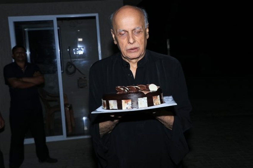 Alia Bhatt & Pooja Bhatt Celebrate Mahesh Bhatt Birthday Photos