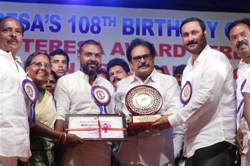 Ragava Lawrance Received Annai Therasa Award Photos
