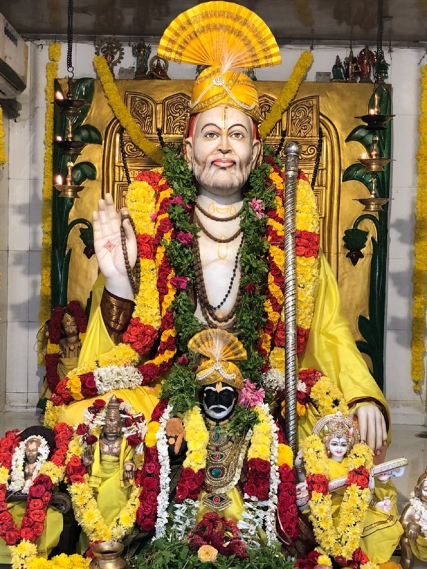 Raghava Lawrence Observing Shri Raghavendra Swamy's Jeevasamadhi Day Photos