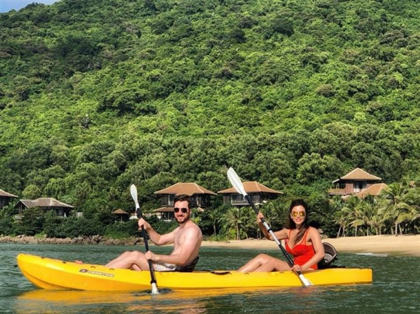 Shama Sikander Enjoys Her Vietnam Vacation Photos