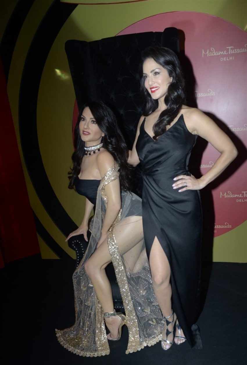 Sunny Leone Unveiled Her Statute At Madame Tussauds In New Delhi Photos