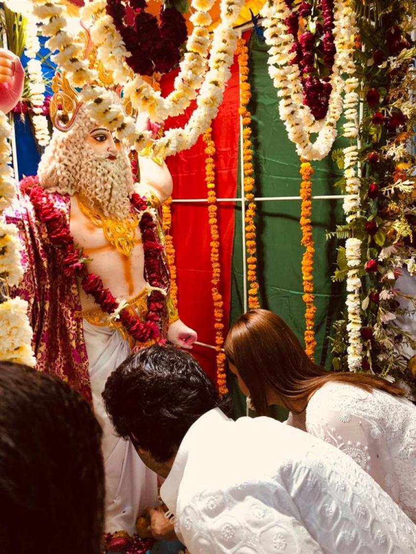 Varun and Anushka Attend Vishwakarma Puja In Lucknow Photos