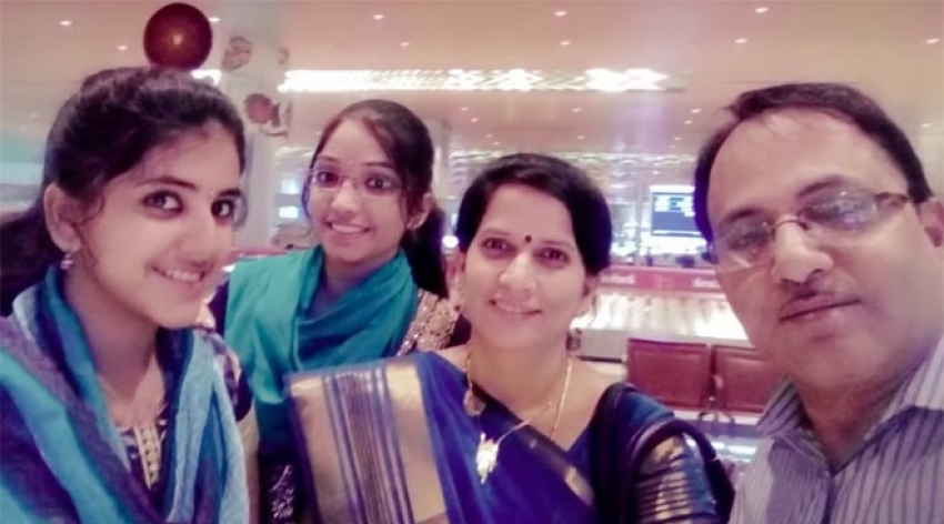 Vijay Tv Super Singer 6 Contestant Sireesha Family Photos