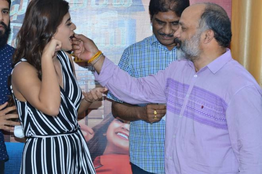 Yamini Bhaskar Birthday Photos
