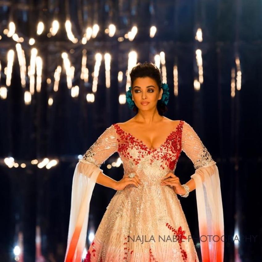 Aishwarya Rai Bachchan Walks For Manish Malhotra In Doha Photos