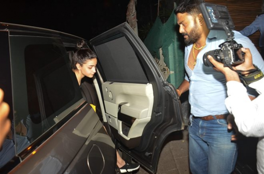 Alia Bhatt & Ayan Mukherjee Spotted At Aamir Khan House Photos