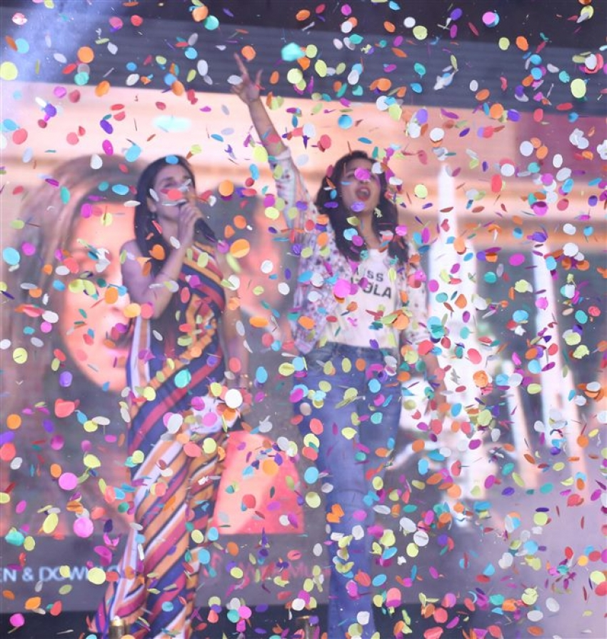 Arjun Kapoor and Parineeti Chopra Promotes Namaste England At Elante Mall In Chandigarh Photos