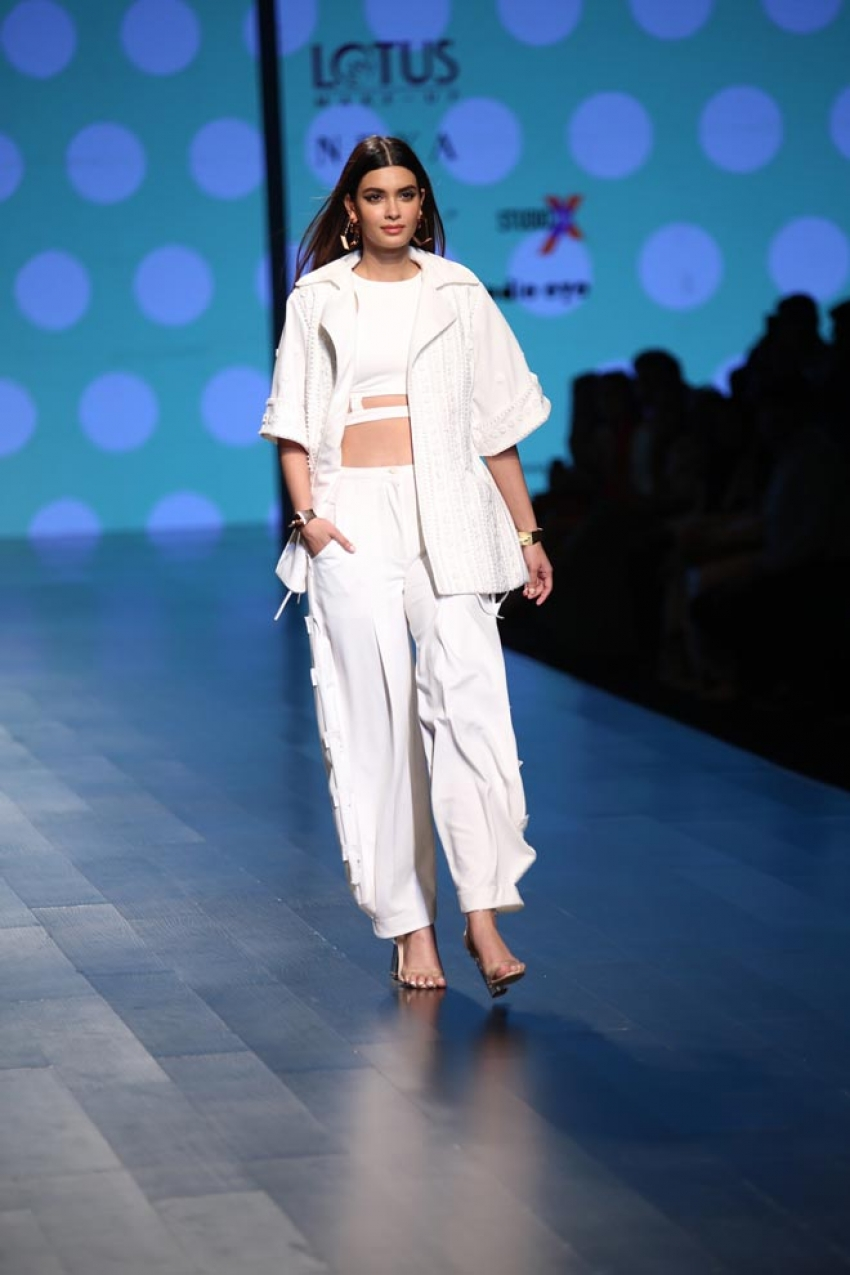 Diana Penty walks the ramp at Lotus India Fashion Week 2018 Photos