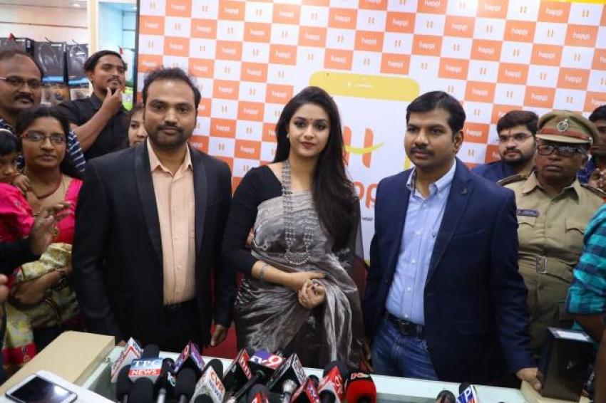 Happi Mobiles Grand Store Opening By Actress  Keerthi Suresh At Guntur Photos