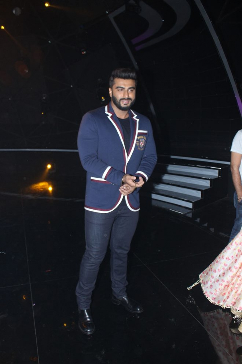 Namaste England Movie Promotion At Indian Idol 10 Photos