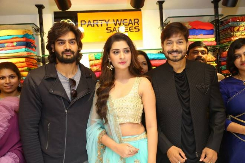 Payal Rajput Inaugurates KLM 8th Fashion Mall Photos