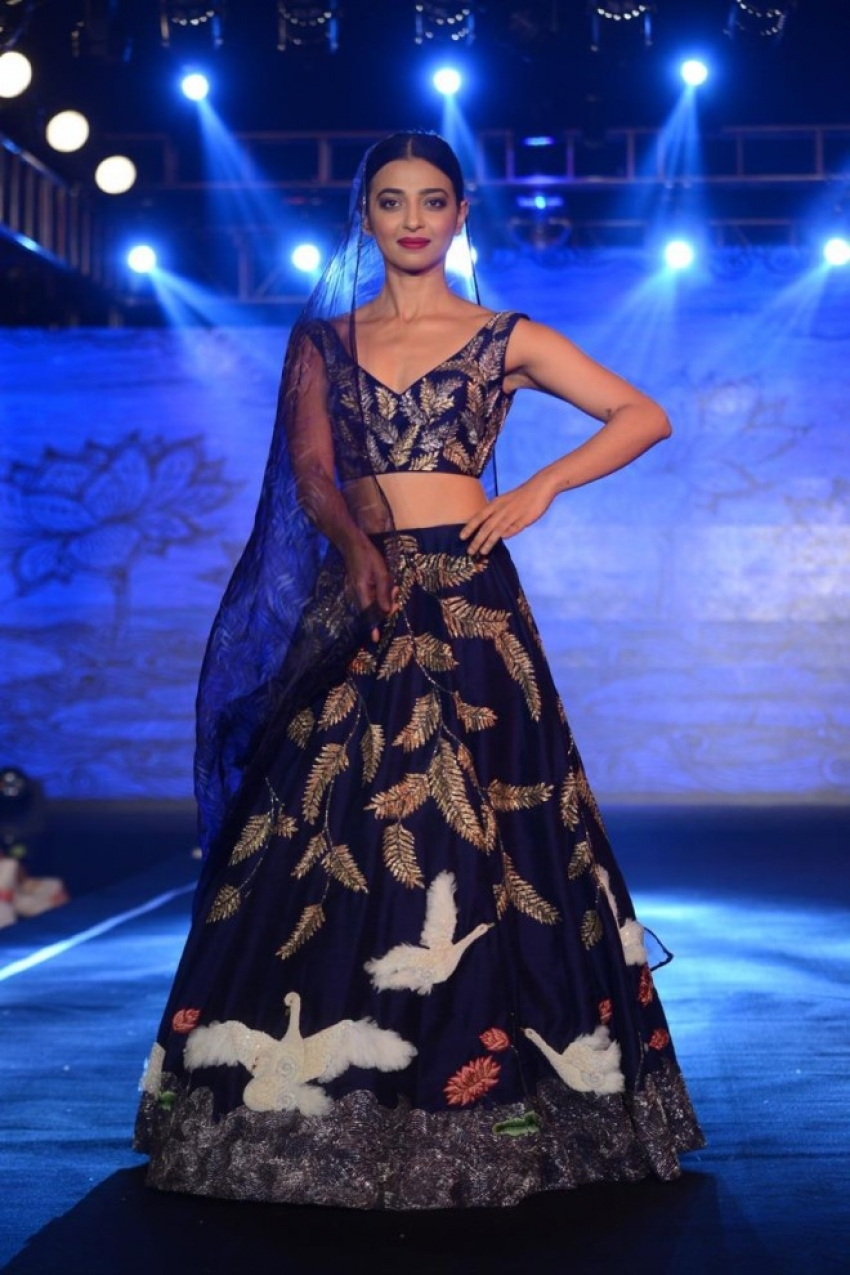 Radhika Apte At Show Stopper At Wedding Junction Photos
