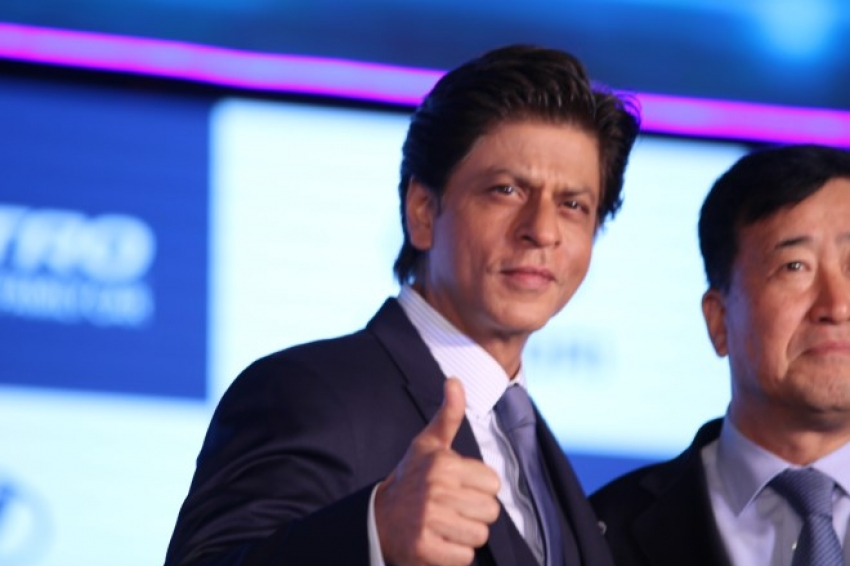 Shahrukh Khan at Launch of New Hyundai Santro Photos