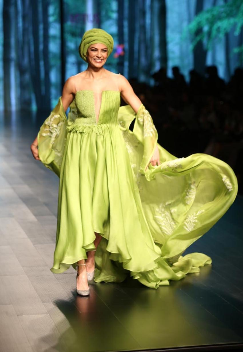 Sushmita Sen walks the ramp at Lotus India Fashion Week 2018 Photos
