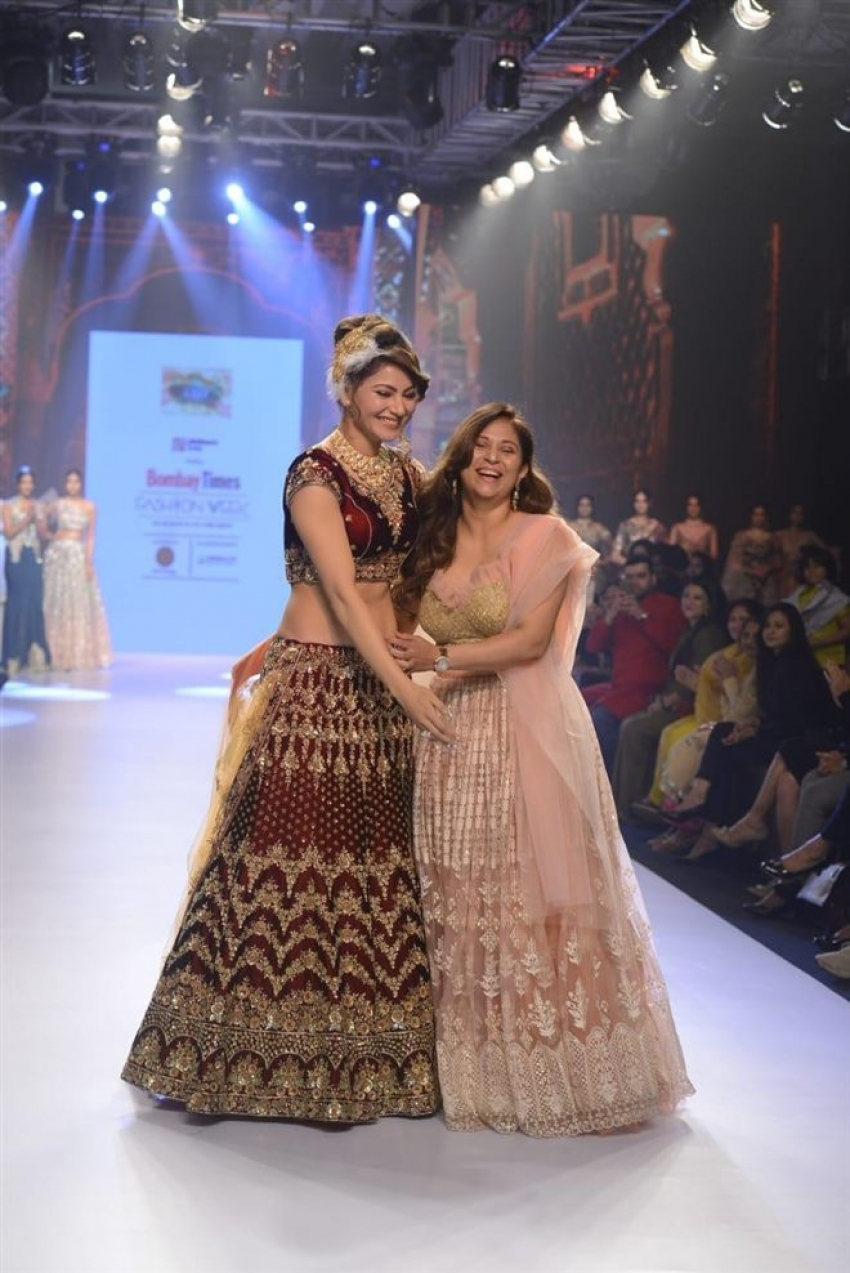 Urvashi Rautela Walks The Ramp At Bombay Times Fashion Week 2018 Photos
