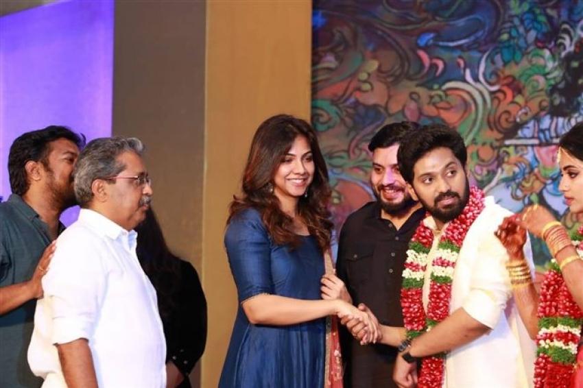 Actress Meera And Vishnu Wedding Pictures Photos