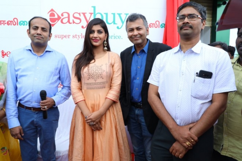 Actress Yashika Anand launched Easybuy's Store Photos
