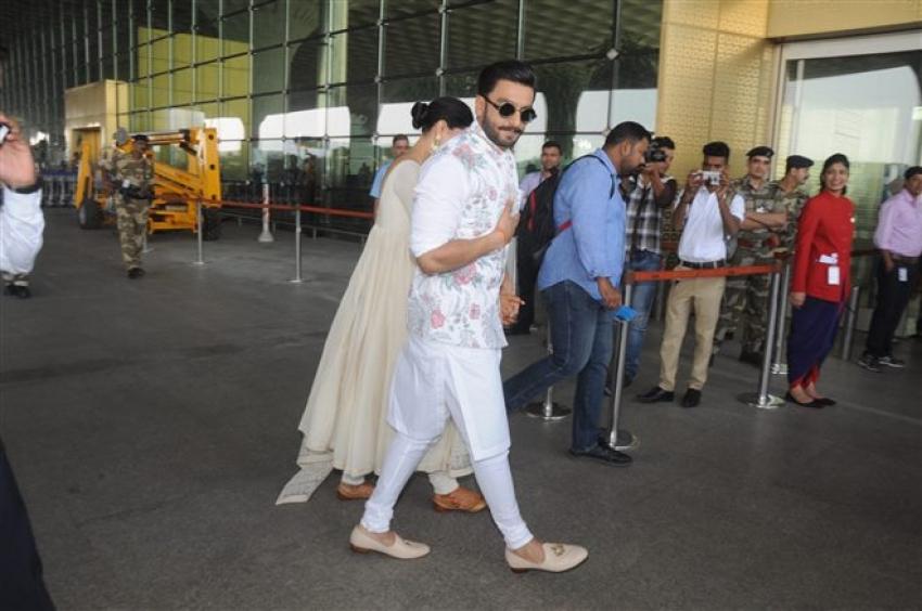 Deepika Padukone & Ranveer Singh Leave For Bangalore Reception Photos