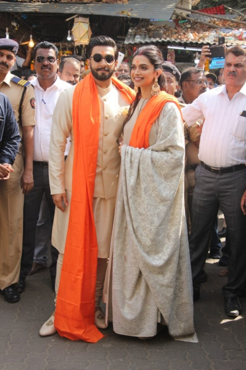 Deepika Padukone and Ranveer Singh visits Mumbai's Sidhivinayak Temple Photos