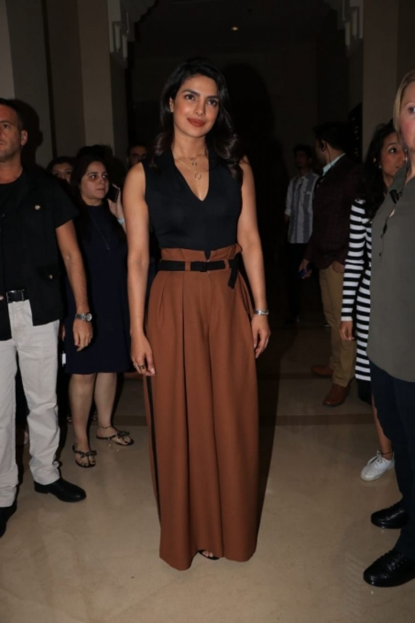Priyanka Chopra Joins Hand With Facebook For #SocialForGood Photos