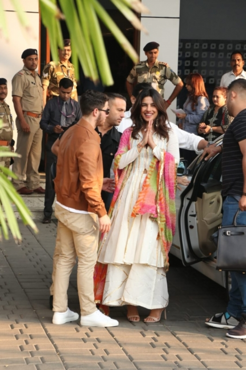 Priyanka Chopra And Nick Jones Leaves For Jodhpur For Their Marriage Photos