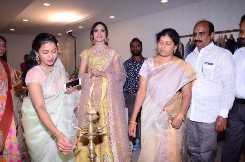 RituVarma Launches Priya Design Studio At Jubilee Hills Photos