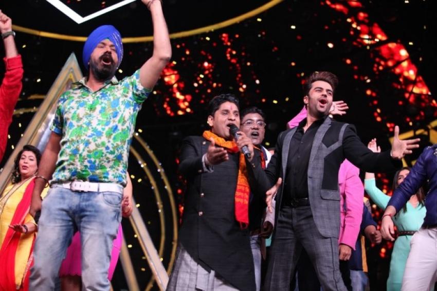 Taarak Mehta Ka Ooltah Chashmah Team on Indian Idol 10 Photos