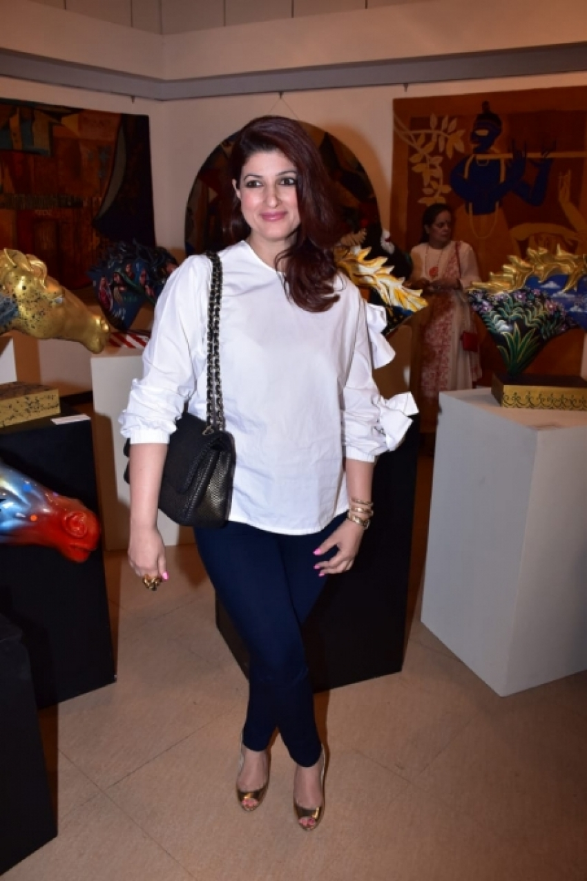 Twinkle Khanna, Vaani Kapoor At Breaking Barriers Event Photos