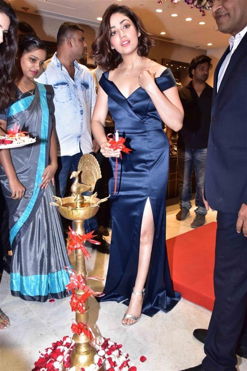 Yami Gautam At Launch Of Reliance Jewels In Mumbai Photos