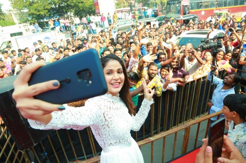 Actress Lavanya Tripathi Launch Happi Mobiles Grand Store At Dilsukhnagar Photos