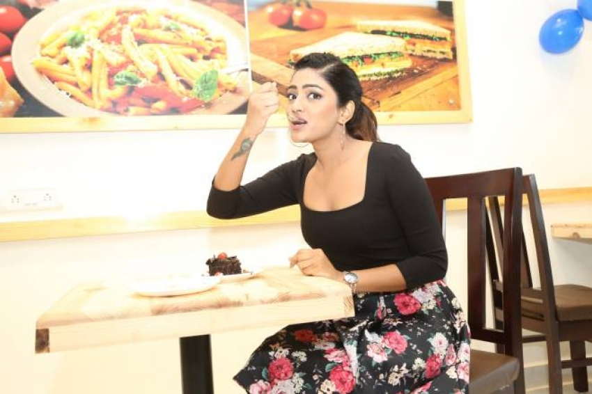 Eesha Rebba Grand Launched Cafe Chef Bakers Photos