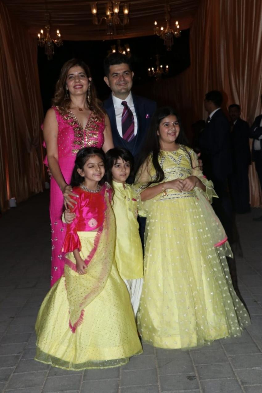 Isha Ambani & Anand Piramal Wedding Reception In Mumbai Photos