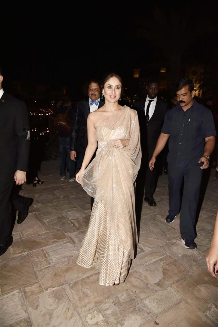 Kareena Kapoor & Karthik Aryan At Masala Awards 2018 Photos