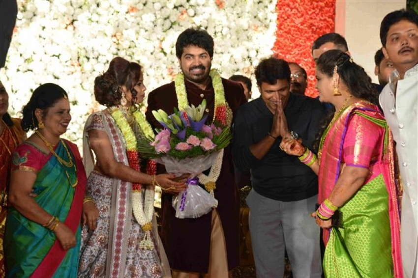 Rajahuli Fame Harsha P & Aishwarya Wedding Reception Photos