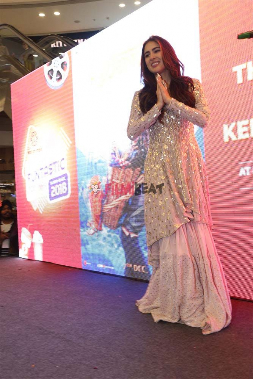 Sara Ali Khan Promotes Kedarnath At DLF Mall Of India In New Delhi Photos