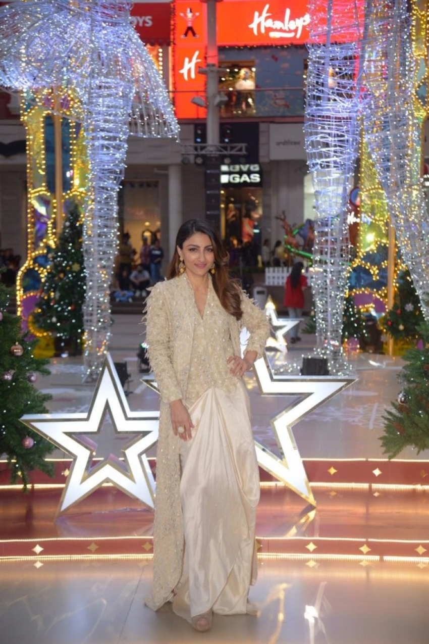 Soha Ali Khan At Inauguration Of X'mas Decor Inspired By The Nutcracker Ballet Photos