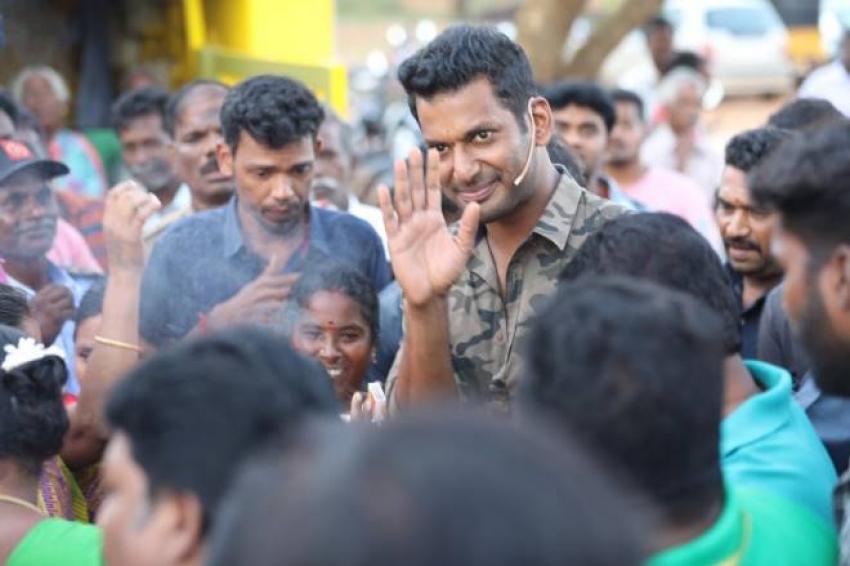 Vishal extend His Hands towards Kaja cyclone Relief Photos