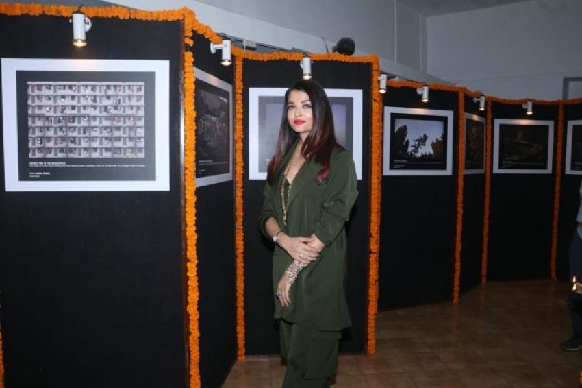 Aishwarya Rai Bachchan Inaugurates a Photography Exhibition Awards 2019 Photos