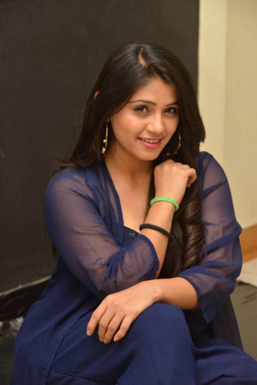 Chandni Bhagwanani Photos