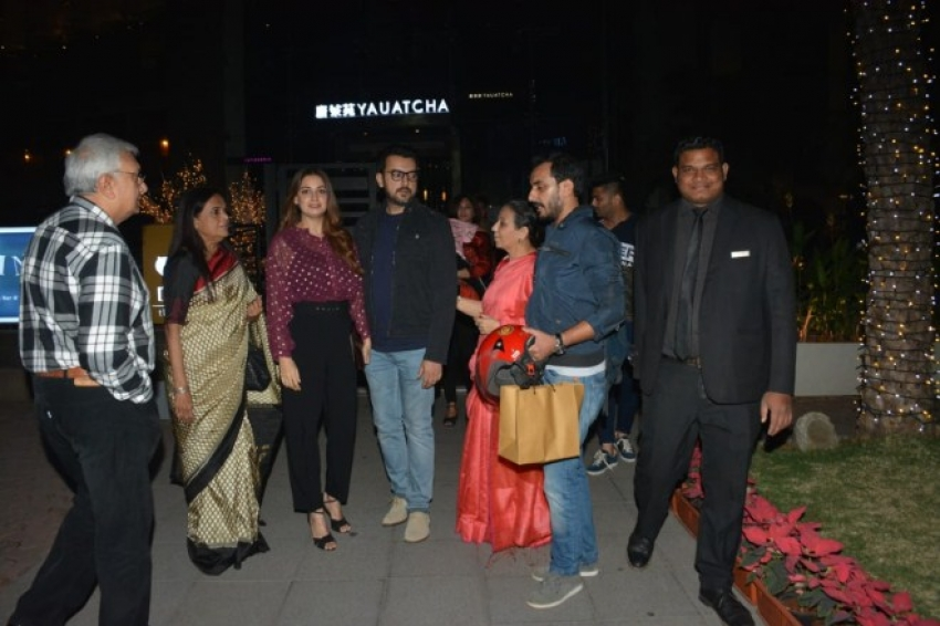 Dia Mirza With Family Spotted at BKC Bandra, Mumbai Photos