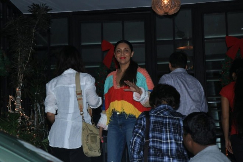Gauri Khan and Suhana Khan Spotted at Soho House Juhu, Mumbai Photos