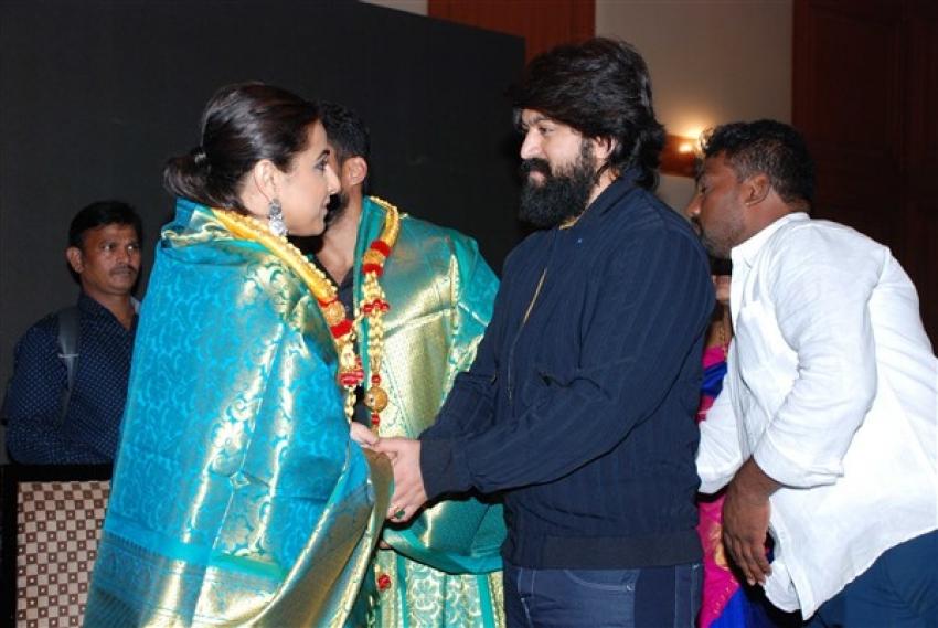 NTR-Kathanayakudu Bangalore Press Meet Photos