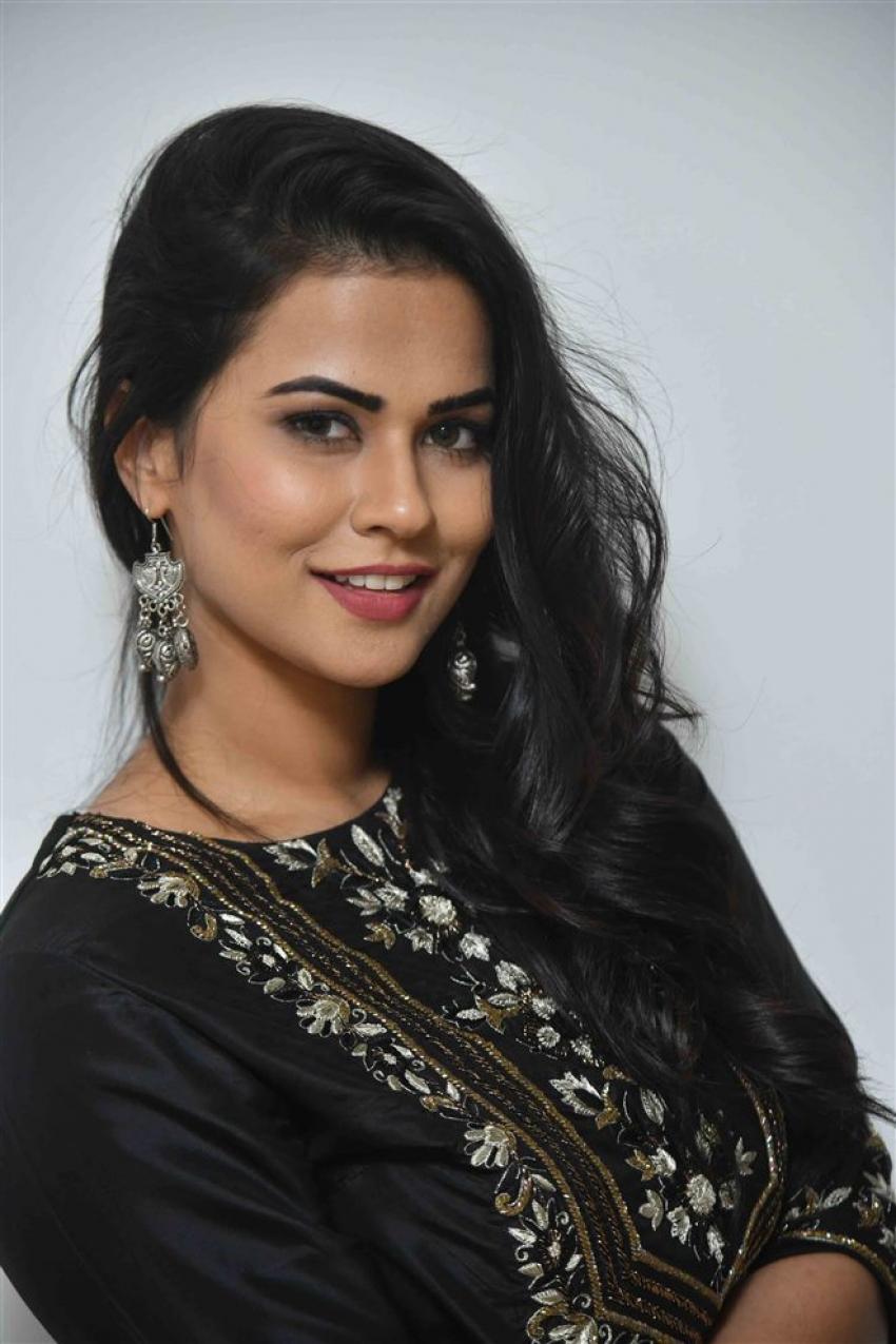 Sharmila Mandre Photos