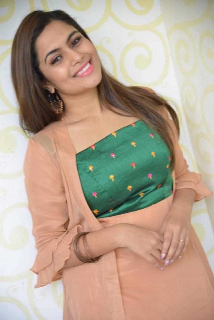 Sonu Gowda Photos