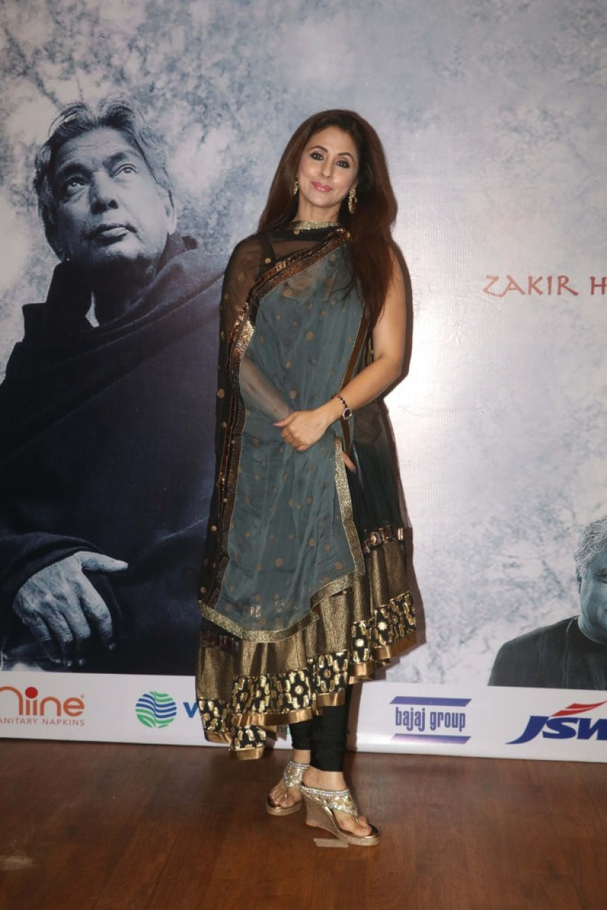 Star Studded Red Carpet Of Raag Shayari Premiere Show Photos