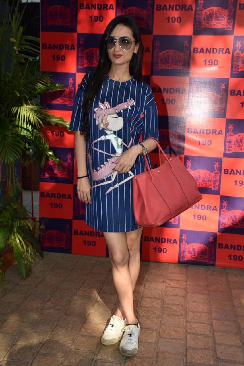 Celebs at the Bandra 190 pop-up event Photos